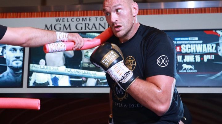 Tyson Fury: I Only Need One Hand To Beat Andy Ruiz!