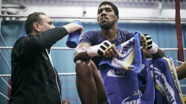 "McCracken Discusses Anthony Joshua's ""Unlikely"" Return in June"
